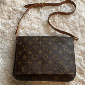2466af65b12a Louis Vuitton · Louis Vuitton authentic musette tango shoulder bag
